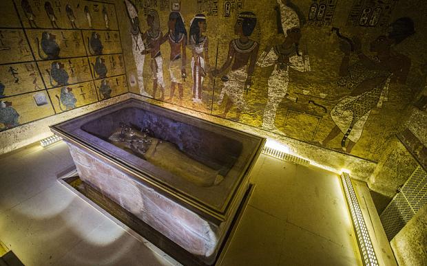 Nefertiti-3_3512748b